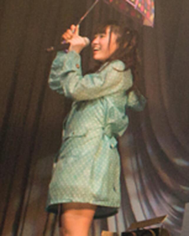 「レイニーデイ」歌唱時着用レインコートセット(小森ゆきの)の画像