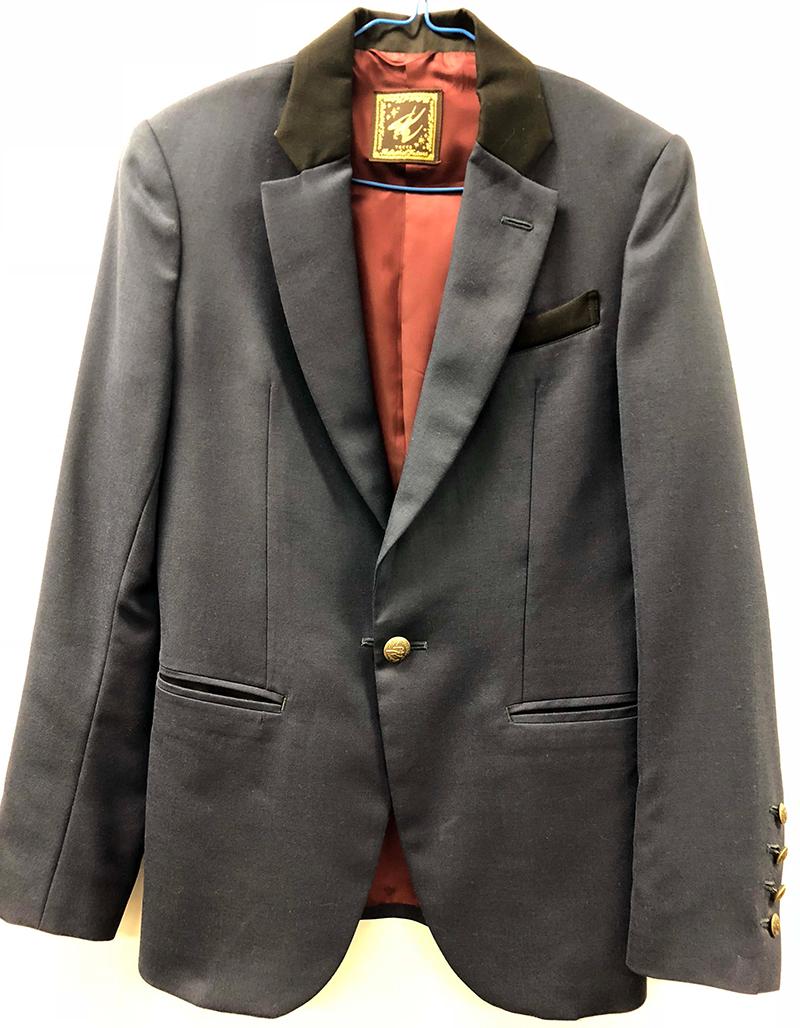 本間ドミノ アルバム『THIS IS POP』のジャケ中面写真着用衣装