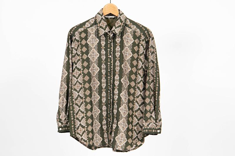 大島 私服シャツ